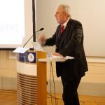 3_Prof.Bentele-eroeffnet-das-Podium